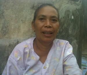 Jauhariah Seorang penjual sayur yang mampu menyekolahkan dua dari tiga anaknya menjadi seorang sarjana