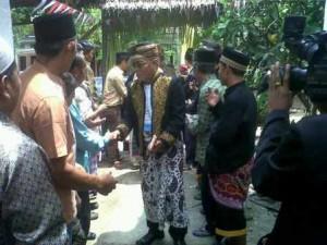 Salah satu utusan dari Kerajaan Majapahit saat mengunjungi salah satu yayasan di Kecamatan Sikur Kab. Lombok Timur NTB